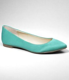 Mint green satin pointy toe flats } dreamy with skinny jeans!