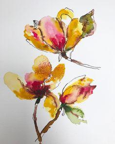 5,254 отметок «Нравится», 53 комментариев — Carolyn Gavin (@carolynj) в Instagram: «Butterfly Magnolias in watercolor with pen, ink and a splash of pigment. #carolyngavinflowers…»