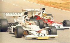 1974 GP Niemiec (#33 Mike Hailwood <Yardley> & #6 Denny Hulme <Marlboro>McLaren M23 - Ford