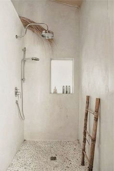 Love the open shower in this straw bale house. It's got a natural - yet inviting - feel.