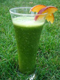 Éltető ételek: zöld turmix Cocktail Drinks, Cocktails, Nutribullet, Milkshake, Healthy Drinks, Glass Of Milk, Smoothies, Beverages, Paleo