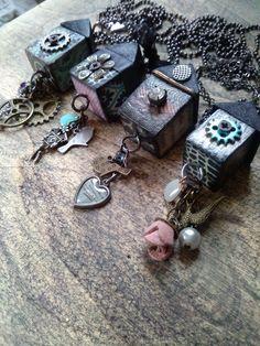 Casette gioiello pezzi unici ogni lato è decorato diversamente dall'altro