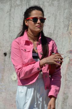 pembe ceket,pink jacket,beyaz etek,balon etek,white skirt,vintage sandalet,vintage topuklu ayakkabı,vintage heels,crop top,kısa üst,moda,fashion,mango çanta,kırmızı çanta,red bag,fashion blog,style blog,moda blogu,stil blogu,sokak stilleri,street style
