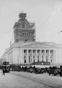 1928 Council House under construction. Note temporary clock provided by FG Minters Ltd contractors. House Under Construction, Nottingham City, Council House, Local History, Family History, Inca, History Photos, Town Hall, Old Pictures