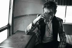 Billy Idol having a drink