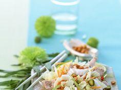 Vietnam-Salat mit Putenbrust ist ein Rezept mit frischen Zutaten aus der Kategorie sättigender Salat. Probieren Sie dieses und weitere Rezepte von EAT SMARTER!