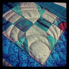 Kim Lapacek @persimondreams is quilting this mini using #aurifil. Can't wait to see the finished project!