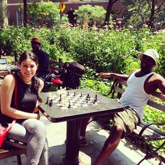 Played and lost my first ever chess game  #chess #washingtonsquarepark #nyc - http://washingtonsquareparkerz.com/played-and-lost-my-first-ever-chess-game-chess-washingtonsquarepark-nyc/