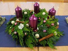 Adventní věnec Disneyland, Christmas Crafts, Wreaths, Table Decorations, Inspiration, Home Decor, Xmas, Crowns, Advent Calenders