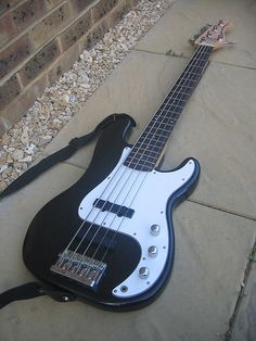 Teach Yourself to Play Bass Guitar - wikiHow