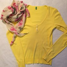 United Colors of Benetton Sweater. United Colors of Benetton Yellow Sweater purchased in Paris. Worn twice. United Colors Of Benetton Sweaters