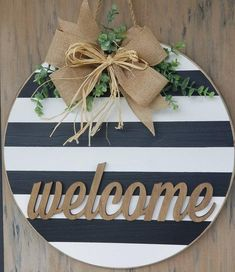 Farmhouse door hanger round welcome sign Round door hanger Front Door Signs, Porch Signs, Front Door Decor, Wooden Door Hangers, Wooden Doors, Wooden Door Signs, Blue Christmas Decor, Welcome Door, Custom Wood Signs