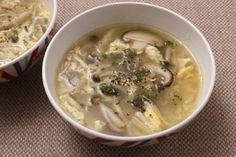 アンチョビとキノコのガーリックスープ