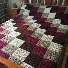 Transcendent Crochet a Solid Granny Square Ideas. Inconceivable Crochet a Solid Granny Square Ideas. Crochet Diy, Crochet Afghans, Crochet Bedspread, Crochet Quilt, Afghan Crochet Patterns, Ravelry Crochet, Patchwork Patterns, Blanket Crochet, Crochet Motif