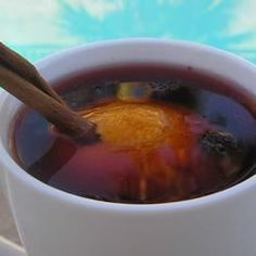 Cranberry juice is simmered in a slow cooker with orange zest, cloves, dried cranberries, honey and cinnamon. Cranberry Cider Recipe, Cranberry Punch, Crock Pot Slow Cooker, Crock Pot Cooking, Fun Drinks, Yummy Drinks, Beverages, Refreshing Drinks, Healthy Drinks