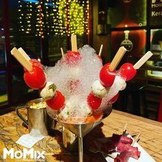 Molecular Gastronomy, Confectionery, Bartender, Birthday Candles, Jelly, Cocktails, Ice Cream, Shapes, Finger Food