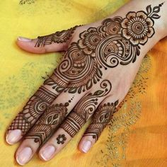 Henna Design Step by Step Images Gallery - Latest Easy Henna Tattoo Designs Step by Step for beginner. this is the best henna design that easy to draw Henna Hand Designs, Eid Mehndi Designs, Mehndi Designs Finger, Mehndi Designs For Beginners, Mehndi Design Pictures, Mehndi Designs For Fingers, Mehndi Patterns, Latest Mehndi Designs, Beautiful Henna Designs