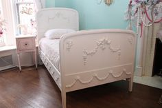 ❤°(¯`★´¯)Shabby Chic(¯`★´¯)°❤...OMG antique twin bed frame shabby chic distressed white vintage cottage girls bedroom cherub angels swags roses bows