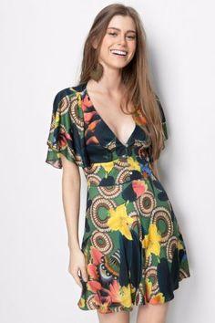 A IMPORTÂNCIA DAS CORES NA IMAGEM PESSOAL  roupas  looks  tendencias estilo  rippie 52856adf50d