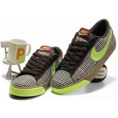 quality design 13ed3 791d8 Women Nike Blazer Low Shoes Green Chocolate