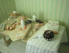 Dollhouse miniatures - 12th scale preparation food table