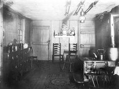 ; Ward House, Shrewsbury, Mass., Kitchen. | Domestic interiors photographic collection, ca. 1860-1920 (PC002) -- Historic New England