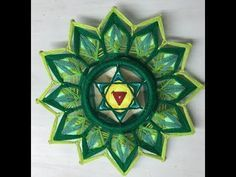 Mandala Art, Mobiles, Gods Eye, String Art, Yarn Crafts, Hand Embroidery, Projects To Try, Weaving, Strands