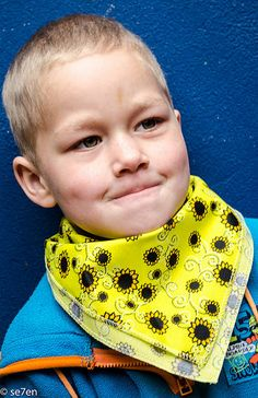 + 1 Things to do with a Bandana, And Let's Support The Sunflower Fund Together… – Se7en, Bandanas, Thing 1 Thing 2, Hoods, Things To Do, Things To Make, Cowls, Bandana, Food