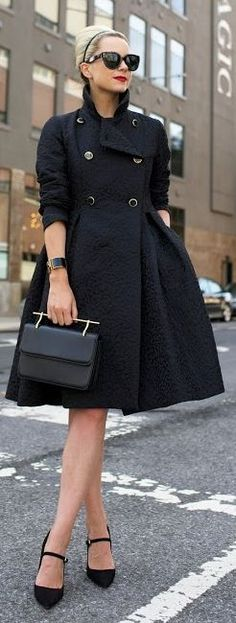 Black Fit And Flare Coat Fall Inspo by Atlantic - Pacific: Milan Fashion Weeks, New York Fashion, Teen Fashion, Runway Fashion, Fashion Outfits, Fashion Trends, Spring Outfits, Winter Outfits, Casual Outfits