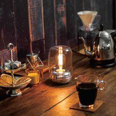 あたたかな灯(あか)りとアロマの香りを同時に|どこか懐かしいたたずまい ノスタルジックミニランプ〈シルバー〉 Light Effect, Kitchen Appliances, Lights, Interior, Room, Fire, Bridal, Coffee, Glasses