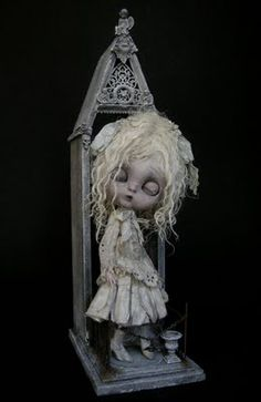 by julien martinez Tim Burton, Scary Dolls, Living Dead Dolls, Gothic Dolls, Arte Horror, Creepy Cute, Little Doll, Doll Repaint, Doll Maker