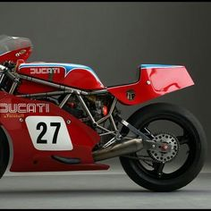 #Ducati 900 TT1 #italiandesign