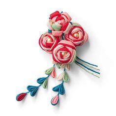 指先で花を咲かせる約7時間華やかなミニブーケで晴れの日を演出。 色の重なりで華やぐ カラフルつまみ細工ミニブーケの会
