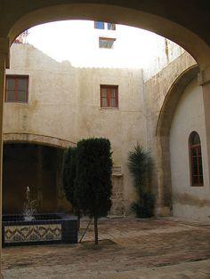 claustro del monasteiro de la trinidad - valencia