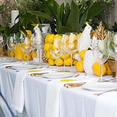 @playertheresa is a most chic and stylish South African interior designer and events planner.This is one of her lunch tables .. I would love to have been invited to this lunch party ! I think I will copy this gorgeous lemon idea..she is new to Instagram and I love her feed . It's chic, strong , fresh,modern and covers design , food and parties. She comes from an inspirational and motivated family , after all she is Gary Player daughter , the famous golf player.She is gorgeous and multi…