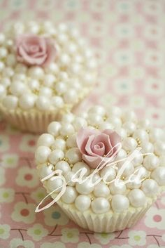 Ana Rosa Wedding cupcakes with pearls, gold sprinkles and tiny pink rose, romance favors