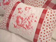 Red ShaBBy ChiC  FrencH CoTTaGE HEARTS and by Sassycatcreations, $32.00