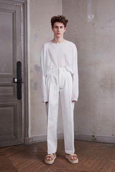 Off-White Spring 2016 Menswear Fashion Show Male Fashion Trends, Fashion Week, Fashion Show, Mens Fashion, Fashion Design, Fashion Brands, Fashion 2016, Paris Fashion, Off White Virgil Abloh