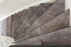 Een trap van leer!  Decor: Briljant Dolphin ontworpen by Bertram Beerbaum