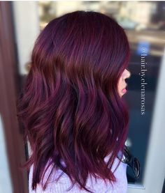 Hair Color 2018 Check out these gorgeous burgundy hair colors for a sexy sultry look that will Hair Color And Cut, Brown Hair Colors, Dark Plum Hair, Burgendy Hair, Plum Hair Colour, Dark Hair With Red, Hair Colors For Fall, Red Balayage Hair Burgundy, Red Velvet Hair Color