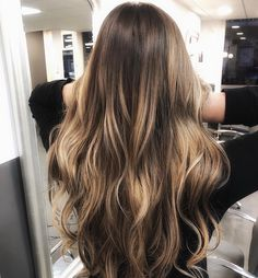 #hair #hairstyle #haircut #hairstyles #haircolor #hairdresser #haircolorist #hairstylist #hairart #hairdo #hairgoals #haircare #hairtutorial #haircuts #hairtransformation #hairfashion #hairpainting #hairvideo #hairdressing #hairideas #hairdye Balayage Long Hair, Brown Balayage, Hair Color Balayage, Haircolor, Long Brown Hair, Haircuts, Hairstyles, Stylists, Long Hair Styles