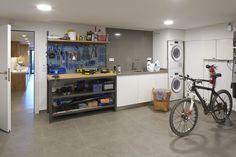 Molins Interiors // arquitectura interior - interiorismo - decoración - garaje - taller - herramientas - garage - tools - lavadero - washing place - laundry