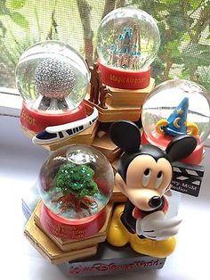 Disney snow globe Mason Jar Crafts, Mason Jar Diy, Water Globes, Snow Globes, Chrissy Snow, Disney Snowglobes, Disney Kitchen, Disney Collectibles, Music Boxes
