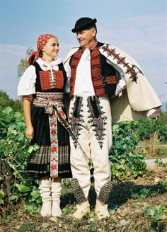 Soblahovské kroje Traditional Folk Costume in Soblahov, Slovakia Husband and wife Polish Embroidery, Irish Fashion, Costumes Around The World, Art Populaire, Moon Goddess, Goddess Art, Beautiful Costumes, Ethnic Dress, Europe