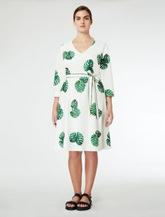 Leaf-print waist dress