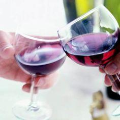 Il vino rosso abbassa il colesterolo e allunga la vita? Non secondo uno studio USA