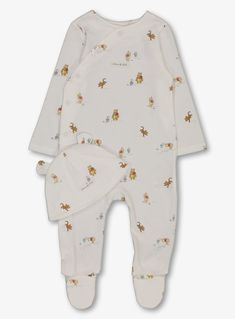 Disney Winnie The Pooh Sleepsuit & Hat Months) from Tu at Sainsbury's ! Your Online Shop for Baby Unisex Sleepsuits & Nightwear Disney Winnie The Pooh, Baby Disney, Disney Hat, Disney Baby Clothes, Cute Baby Clothes, Baby Outfits Newborn, Baby Boy Outfits, Baby Your Baby, Baby Boy Camo