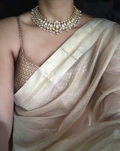 beautifull white saree with golden blouse❤️ - Saree Styles Indian Wedding Outfits, Indian Outfits, Indian Dresses, Indian Wedding Sarees, White Saree Wedding, Designer Sarees Wedding, Designer Sarees Online, Indian Clothes, Trendy Sarees