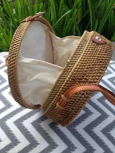 eec68b7c35ecc Cocos Round handbag Round straw bag with flower pattern