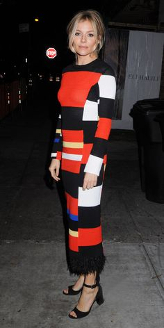 InStyle& Look of the Day picks for December 2016 include Felicity Jones, Sienna Miller and Elle Fanning. Estilo Sienna Miller, Sienna Miller Style, Forever, Fashion Addict, Hijab Fashion, Celebrity Style, Fashion Design, Fashion Trends, Street Style